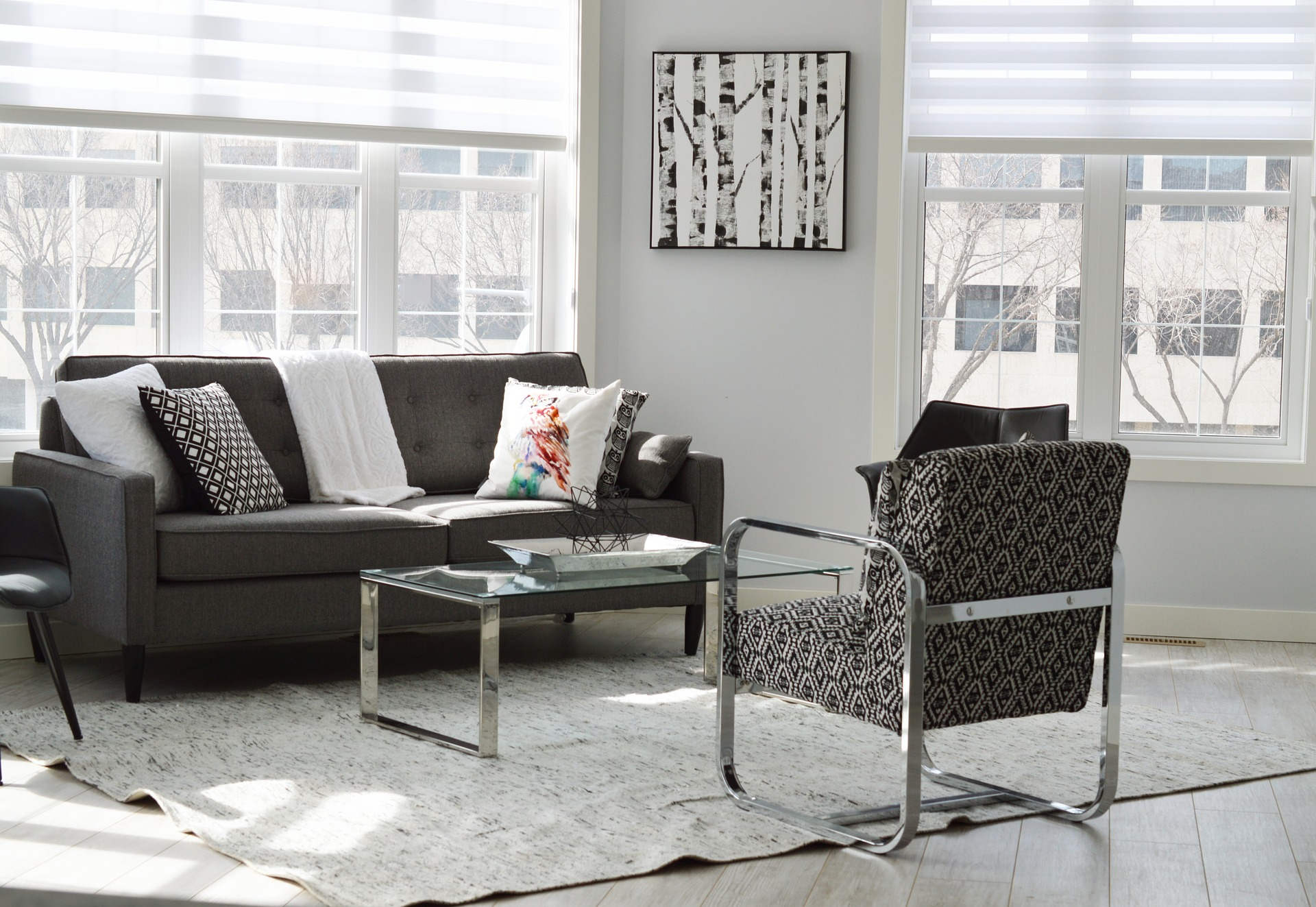 Modern living room sofas and table - One of 10 Unique Modern DIY Home Decor Ideas