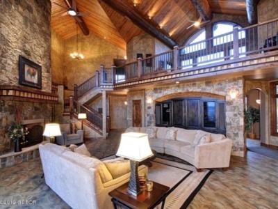 Rustic Elegant Retreat